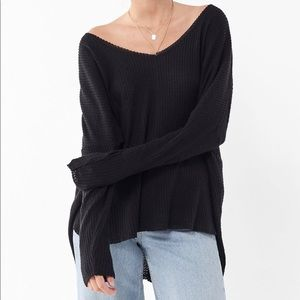 URBAN OUTFITTERS Oversized Thermal Cozy V-Neck Top